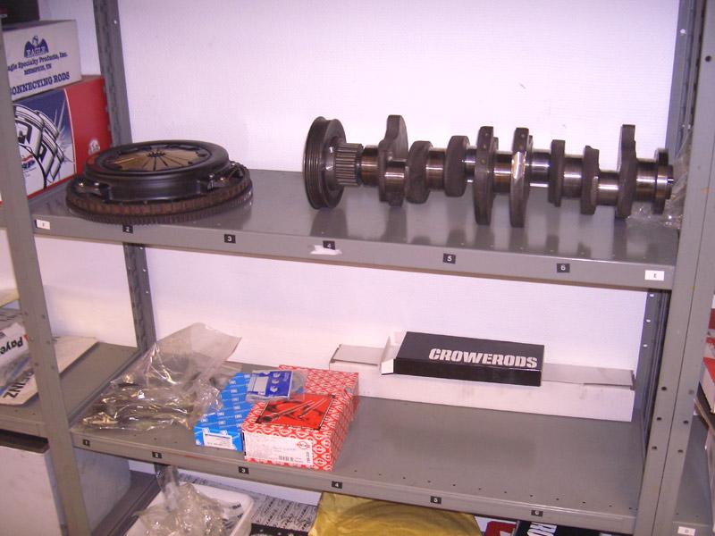 Crankshaft and flywheel + clutch pressure plate