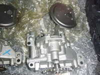 XU10 Oil Pump (Left) XU9 Oil Pump (Right)